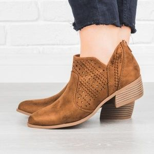 City Classified Emerge Chestnut Cut Out Boots